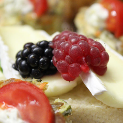 Canapee mit Camembert (2)